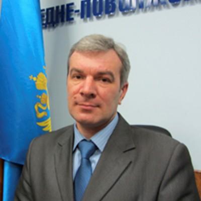Трохинов И.П. (1990 г.) заместитель руководителя Средне-Поволжского управления Федеральной службы по экологическому, технологическому и атомному надзору