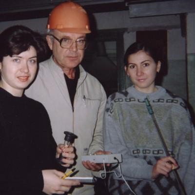 Д.В. Цюра, В.И. Шарапов и Е.В. Макарова на испытаниях деаэратора ДА-25 Ульяновской ТЭЦ-3_2003 г..